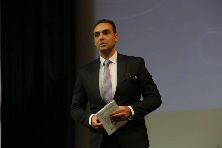استاد برندسازی | دکتر مهاجر
